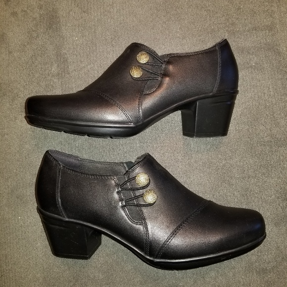 7132d2546f7 Clarks Emslie Warren Leather Bootie Sz 7 1 2 Wide